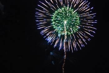 松江水郷祭の花火(緑青)